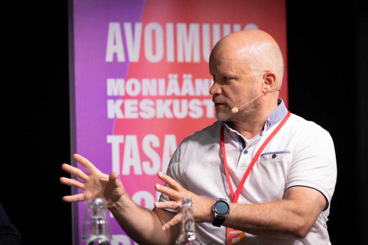 Luonnon kantokykyyn sopeutunut talous, lukutaito ja innovaatiot – Etla keskusteli SuomiAreenassa