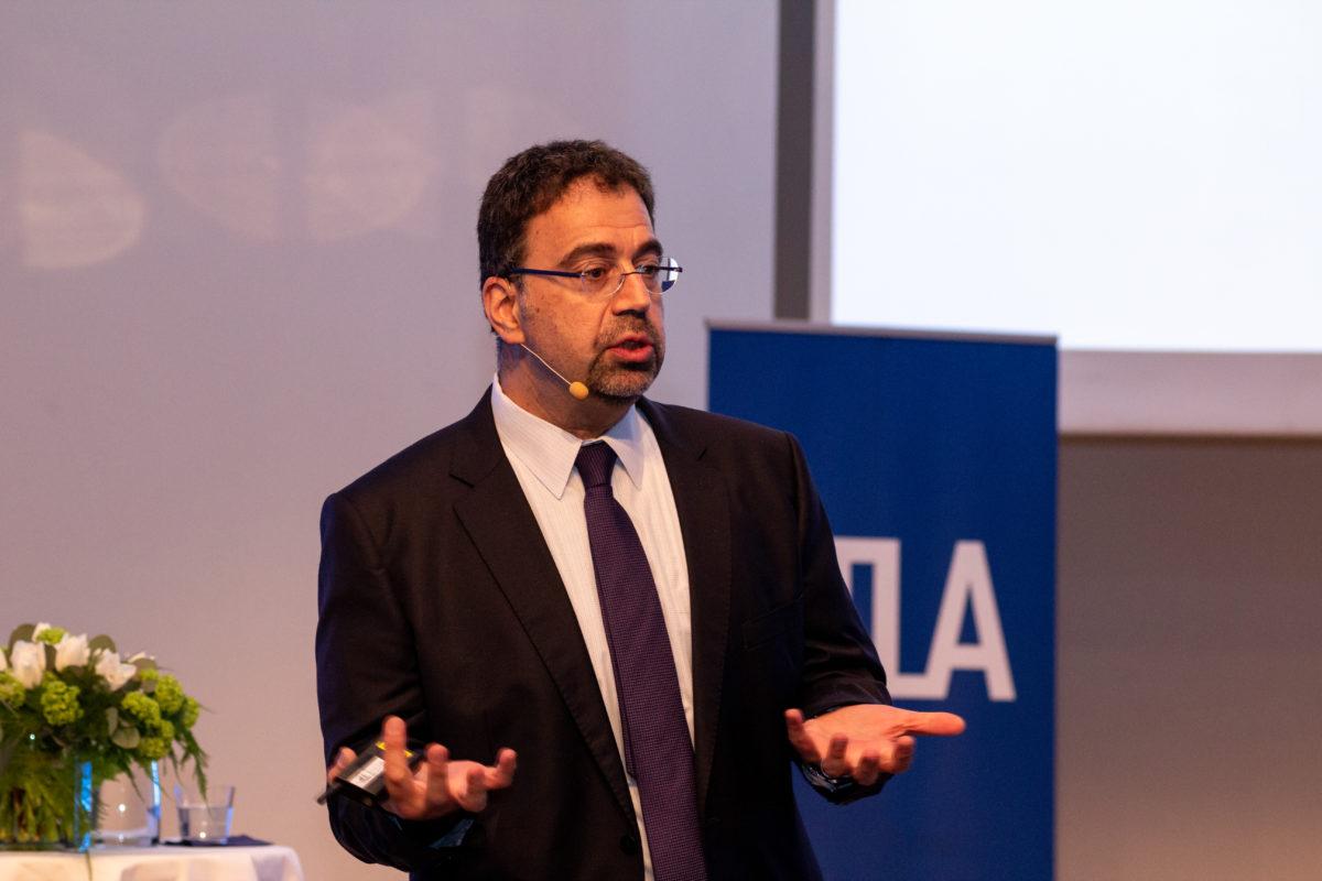 Daron Acemoglu: Tavoitteena vallan tasapaino