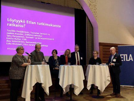 Paneelikeskusteluun liittyivät Emilia Kullas, Anu Vehviläinen ja Esko Kivisaari.