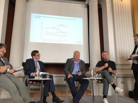 Magnus Henrekson, Ilkka Turunen, Sten Ludvigsen, Saku Tuominen ja Matti Apunen.
